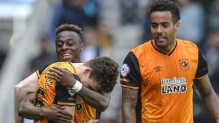 ​Hull statement reveals midfielder Mason conscious after skull fracture