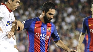 Barcelona midfielder Arda Turan in Turkey for transfer talks