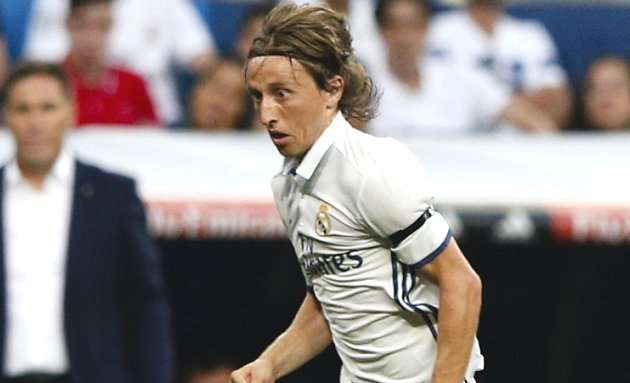 Man Utd circle as Modric warns Real Madrid coach Zidane: Bale's unhappy