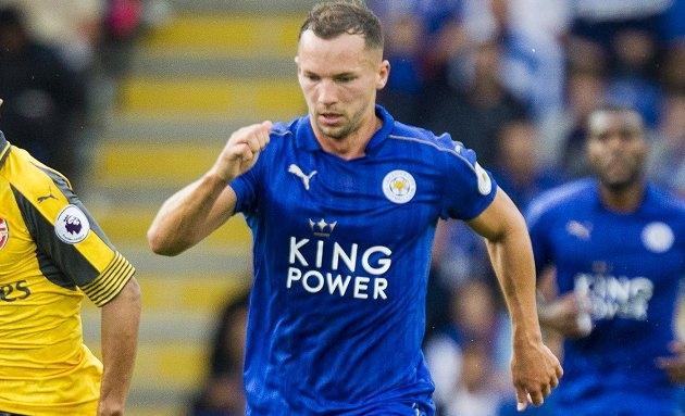 Leicester want Schneiderlin in Man Utd Drinkwater bid