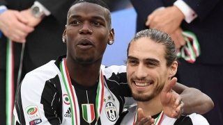 Bertrand welcomes ex-Juventus defender Caceres to Southampton