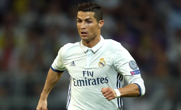Cristiano Ronaldo quit shock splits Real Madrid squad in two camps