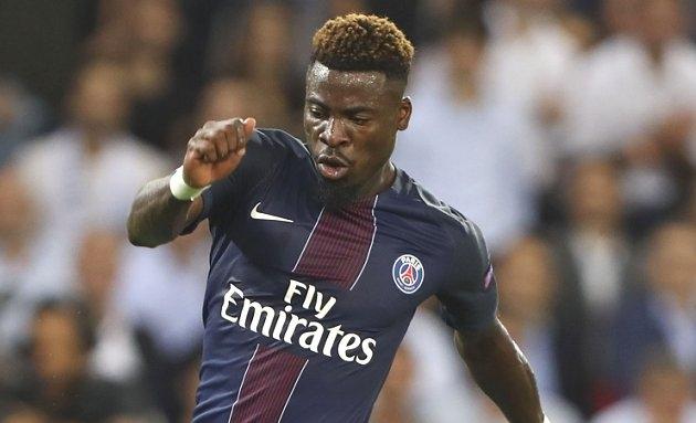 Liverpool, Man City threaten Mourinho plans for PSG fullback Aurier
