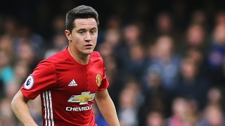 Man Utd midfielder Herrera makes Barcelona decision