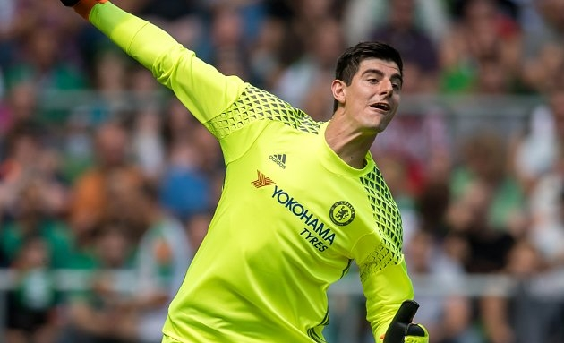 Thibaut Courtois agent: Real Madrid in regular contact