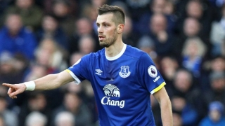 Everton midfielder Schneiderlin has no doubts over Davies potential