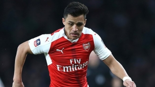 Arsenal boss Wenger criticises Alexis' first-half performance
