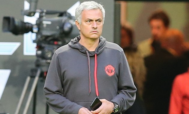 French pundit slams Man Utd, Mourinho supporters: Narrow-minded little ones with accountant's eye