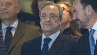 Real Madrid president Florentino makes contact with Joachim Low camp