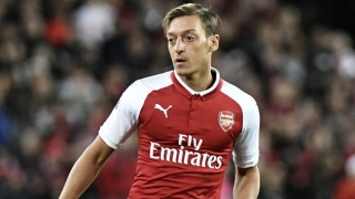 Mesut Ozil returns early to Arsenal training after teammates contact