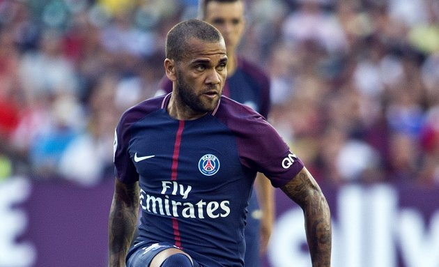 Forlan slams PSG's Brazilians: Dani Alves is Neymar's b****!