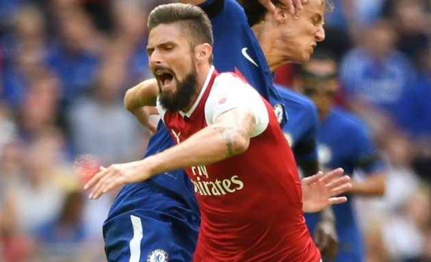 Borussia Dortmund target Arsenal striker Giroud as Aubameyang replacement