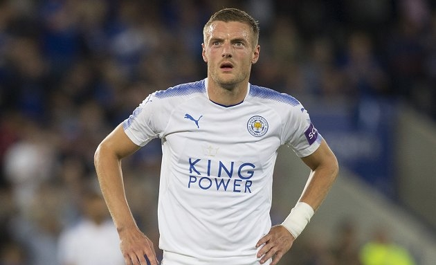 Conte wants Chelsea to go for Vardy, Benteke in January striker shake-up