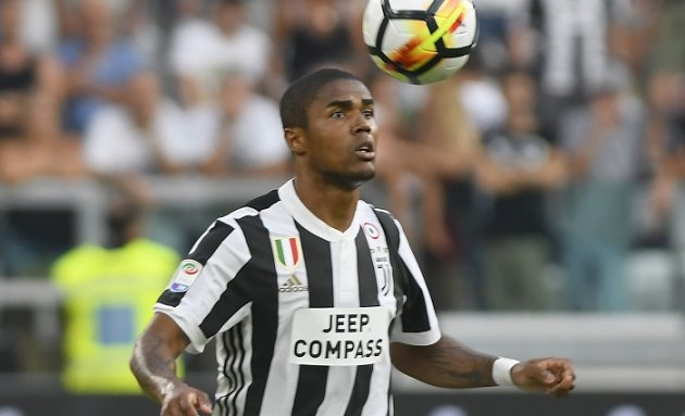 Man Utd willing to hand Juventus stunning profit on Douglas Costa sale
