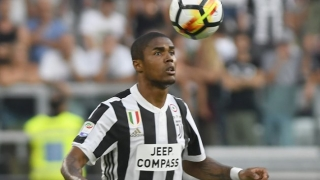 Man Utd ready to bid for Juventus midfielder Douglas Costa
