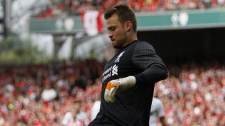 Newcastle eyeing Liverpool goalkeeper Simon Mignolet