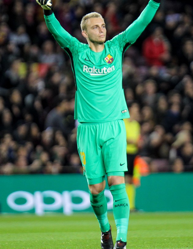Barcelona set Cillessen price as Premier League scramble kicks off