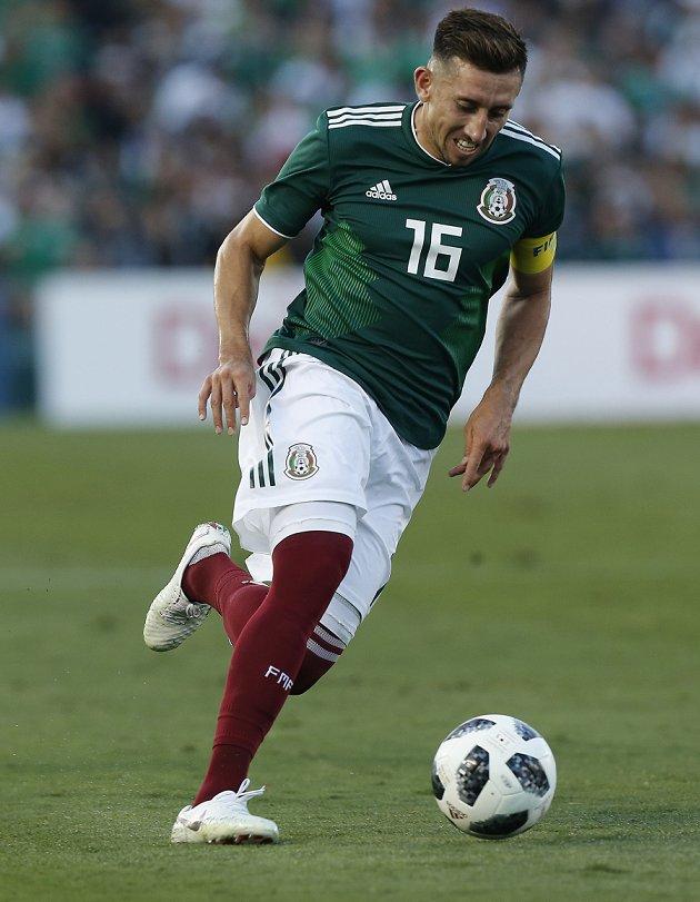 Tottenham rival Roma for Porto midfielder Herrera