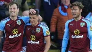 ​Burnley continue talks with Swansea over Clucas