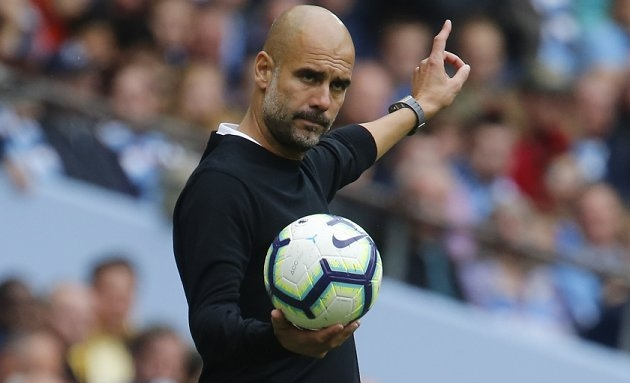Man City threaten Man Utd plans for  Gremio striker Everton Soares