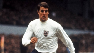 Sir Geoff Hurst: West Ham rejected WORLD RECORD Man Utd offer for me