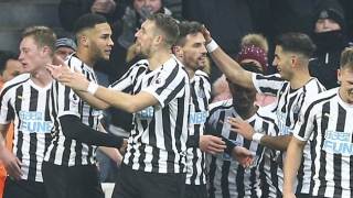 ​Newcastle defender Fernandez: Competition is intense