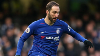 Chelsea boss Sarri reveals Higuain crisis talks: He's struggling