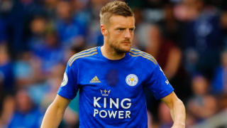 Leicester striker Vardy deletes Rooney from social media accounts