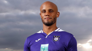Anderlecht assistant manager Davies defends Kompany over sack talk