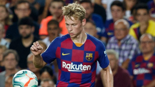 De Boer: Barcelona playing De Jong out of position