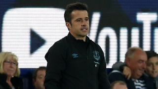 Everton boss Silva insists he has players' backing