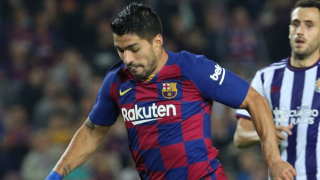 Barcelona striker Luis Suarez facing four months out