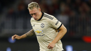 Man Utd struggling to shift fringe players due to wage demands