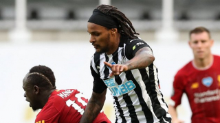 Gladbach coach Rose announces deal for ex-Newcastle wing-back Lazaro