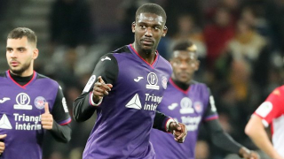Ex-Arsenal centre-foward Yaya Sanogo in Middlesbrough talks