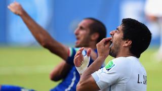 Barcelona striker Suarez makes Chiellini peace call ahead of joining Juventus