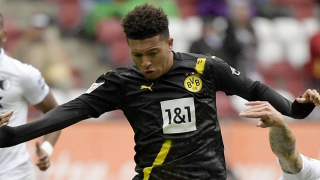 Borussia Dortmund captain Reus dismisses Man Utd talk for Sancho