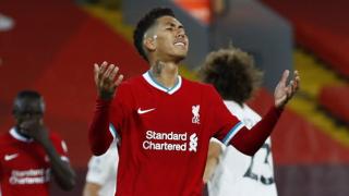 Carragher questions Firmino future at Liverpool