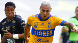 Minders for Eduardo Vargas inform Tigres of new contract plans