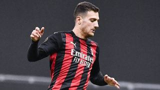AC Milan in Man Utd talks about Dalot outright deal