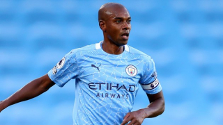 Fernandinho could yet commit to new Man City contract