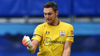 Southampton open new contract talks with Alex McCarthy