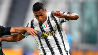 Juventus keen to speak with Chelsea about Alex Sandro swap deal