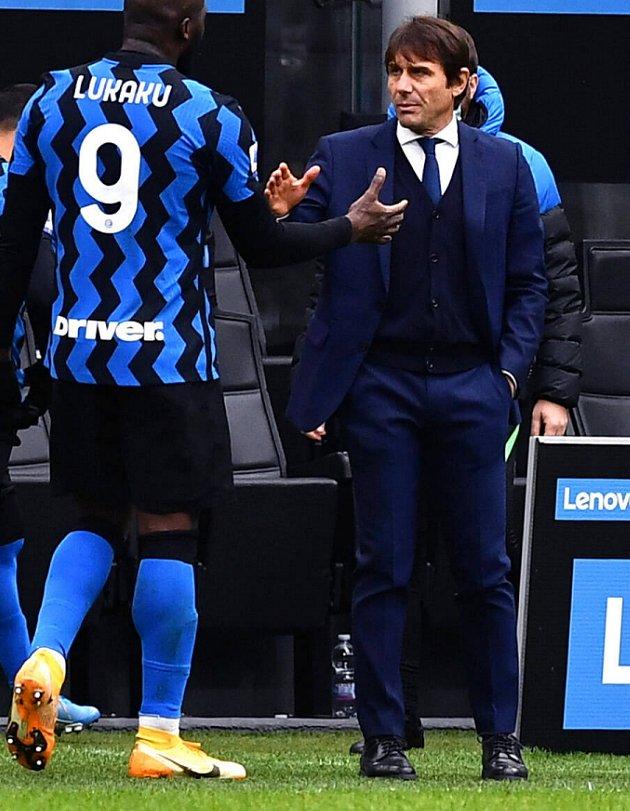 Watch: Inter Milan coach Conte admits AC Milan clash huge 'first vs second'