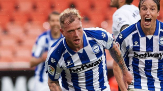 Ex-Man City academy chief Cassell full of praise for Alaves striker Guidetti