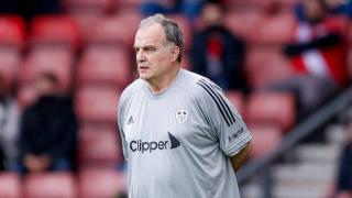 Leeds boss Bielsa says new contract 'resolved'
