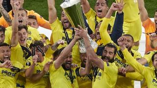 Man Utd great Scholes hits back at critics after Europa League defeat