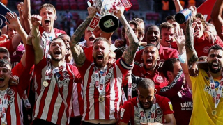 Brentford reach Prem for first time as Frank says: I want to get drunk!