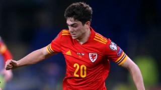Leeds signing James:  Blame me for Man Utd flop
