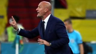 Hungary coach Rossi has swipe at Germany; ponders Serie A return